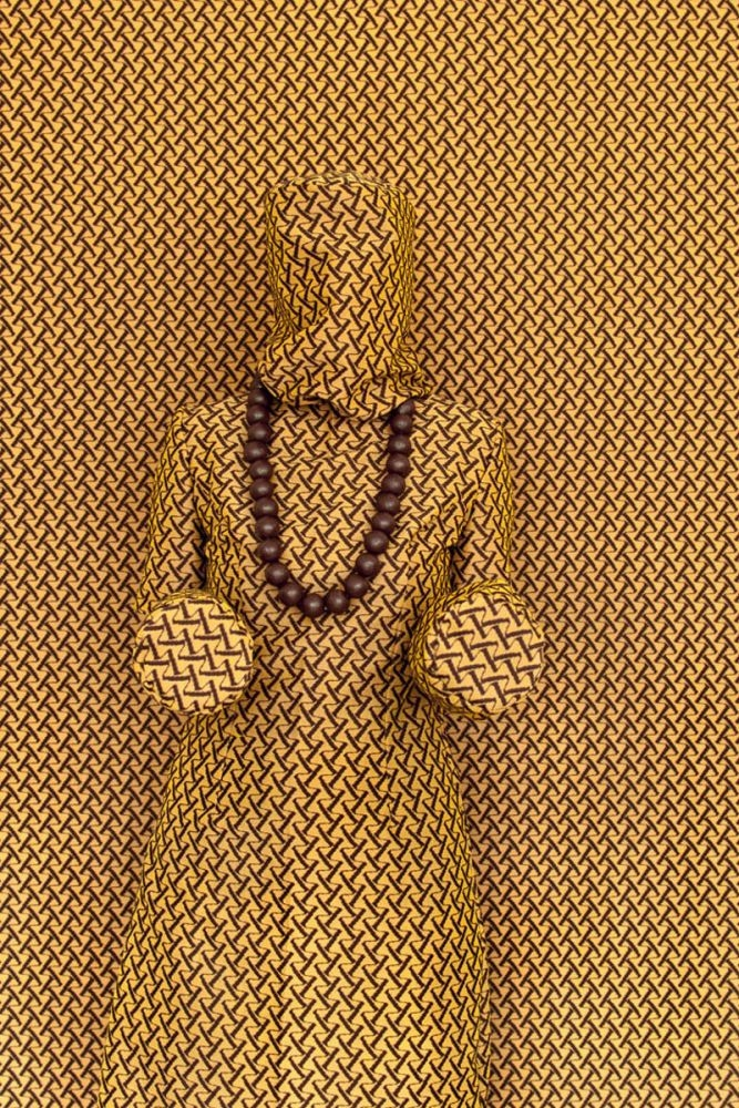 W-magic-woman, 2016, fotoprint, 30 x 45 of 50 x 75 cm